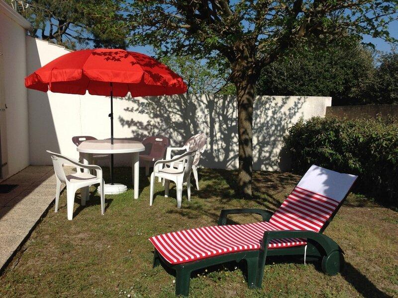 MAISON DANS QUARTIER PRIVE CALME, location de vacances à Saint-Michel-en-l'Herm