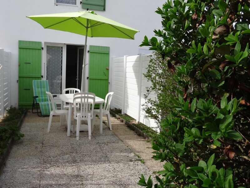 DE BON CONFORT A DEUX PAS COMMERCES & PLAGE, location de vacances à La Faute sur Mer