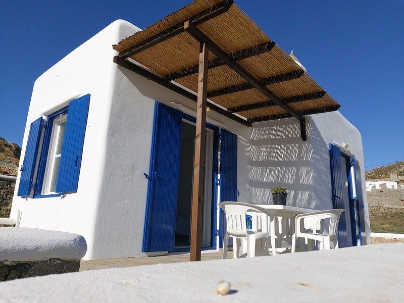 Mykonos Tradition house, holiday rental in Faros Armenistis