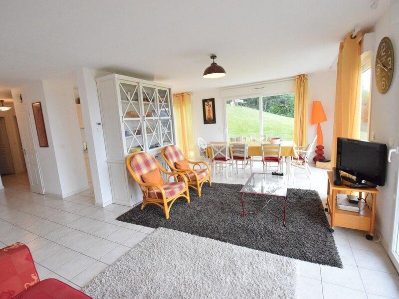 Beau T3 face au lac avec Jardin à Amphion-Les-bains - Idéal séjour reposant, holiday rental in Buchillon