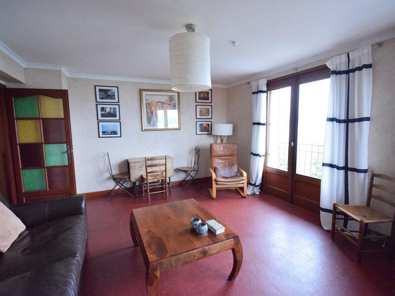 Appartement 4 personnes face à la plage, magnifique vue sur le Lac., holiday rental in Saint-Paul-en-Chablais