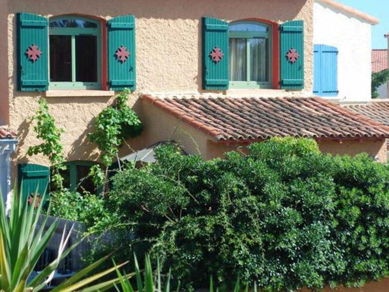 Jolie villa au calme sur les hauteurs de Balaruc, holiday rental in Balaruc-le-Vieux