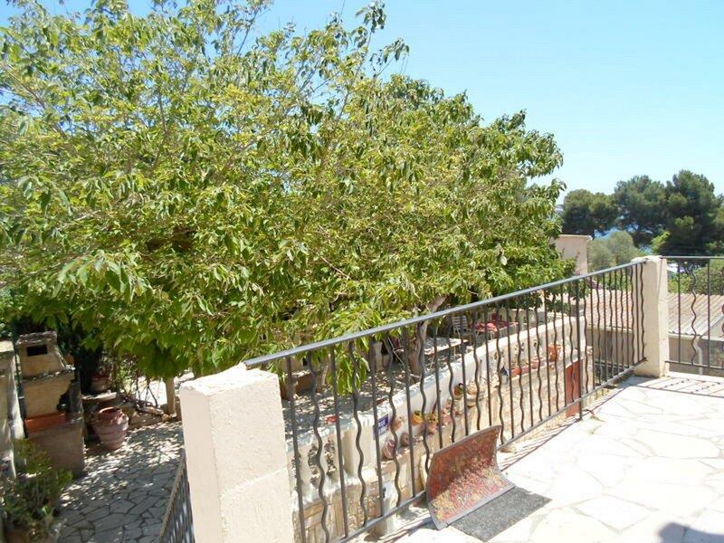 Jolie villa au calme avec une vue sur l'étang, holiday rental in Balaruc-le-Vieux