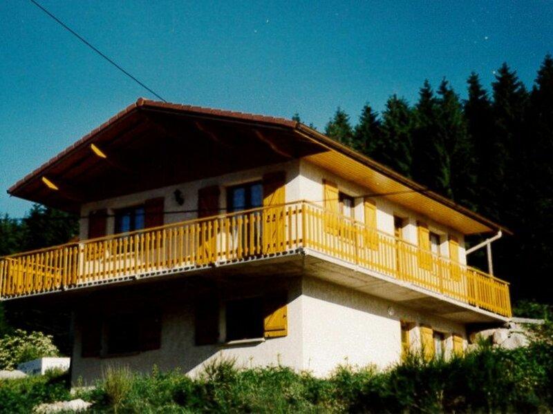Chalet gîte des Bouleaux, location de vacances à Rochesson