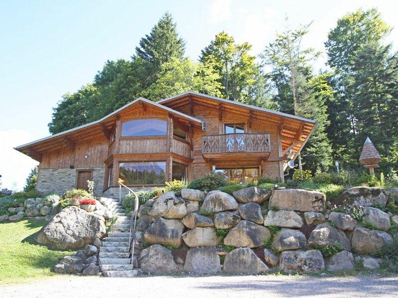 Chalet bois, holiday rental in Liezey