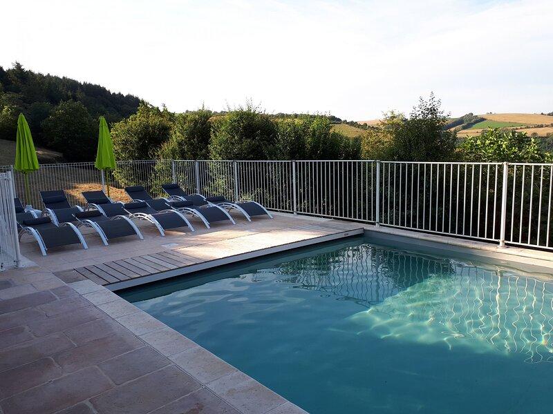 Les 3 gîtes, holiday rental in Rullac-Saint-Cirq