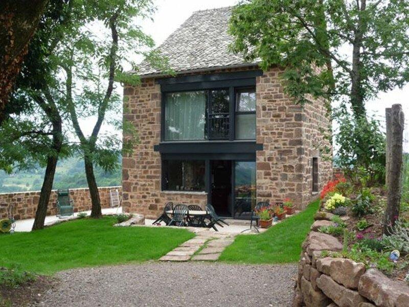 La maisonnette de pierres, location de vacances à Cransac