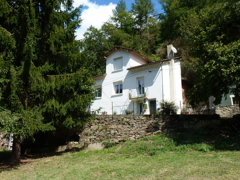 Gîte de la Croix de l'Aveyron, vacation rental in Milhars