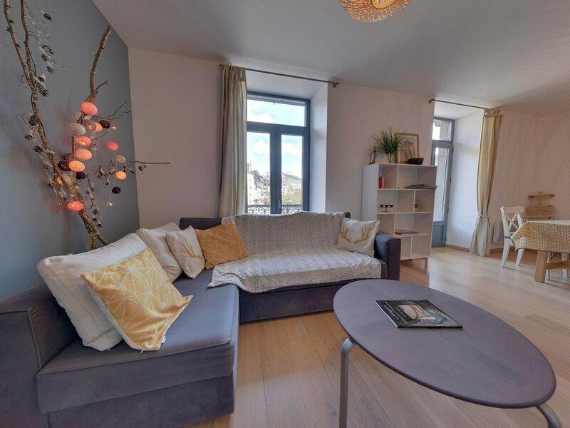 *** COUDARD Premium *** LA BOURBOULE CENTRE - Splendide appartement T3 avec vue, Ferienwohnung in Saint-Sauves-d'Auvergne