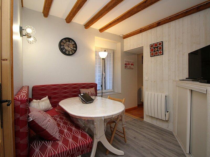 LA BOURBOULE - agréable appartement T3 avec terrasse, holiday rental in La Bourboule