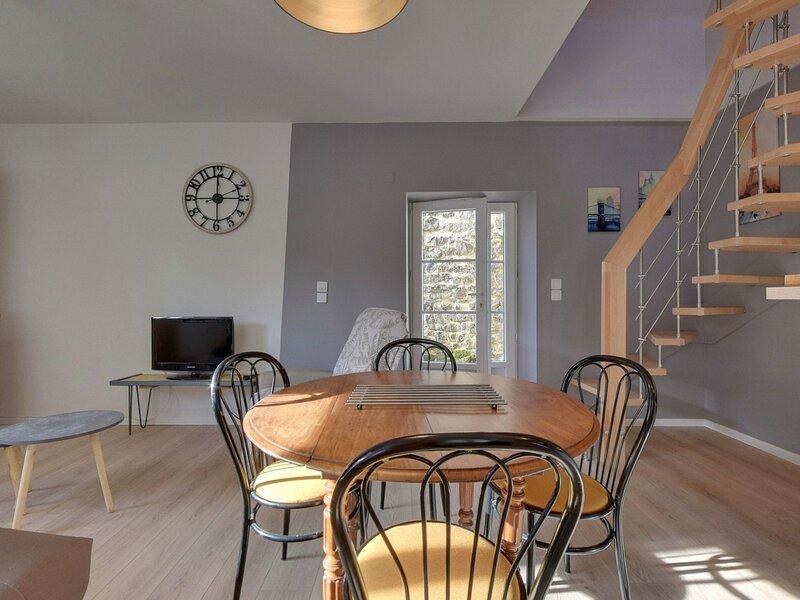 LA BOURBOULE proximité centre - Maison avec petite terrasse, holiday rental in La Bourboule