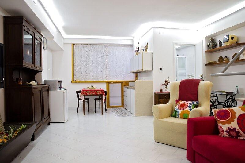 monolocale confortevole al centro città, vacation rental in Castellana Grotte