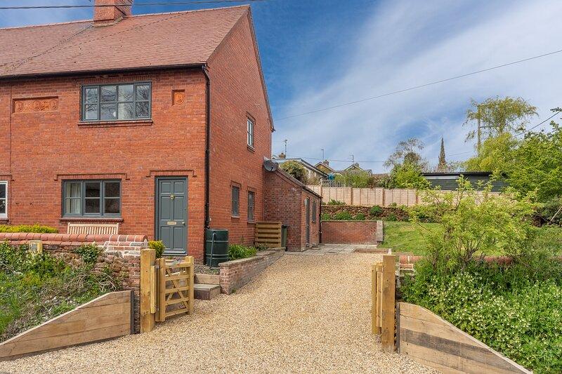 Off Piste Cottage, holiday rental in Dersingham