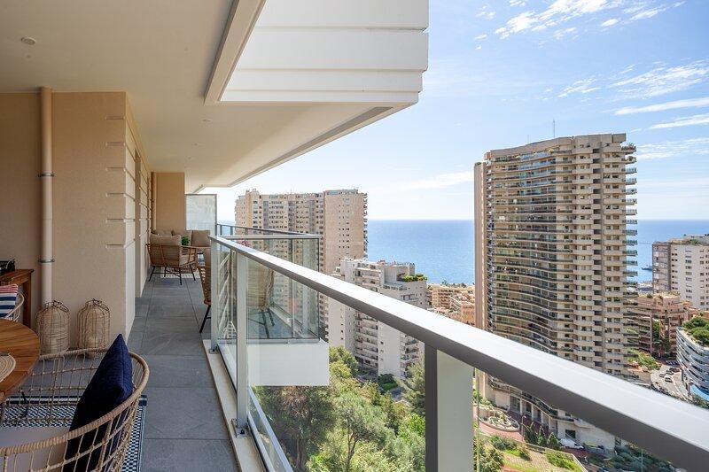 Monaco à pied - Sublime vue et piscine sur le toit, aluguéis de temporada em Beausoleil