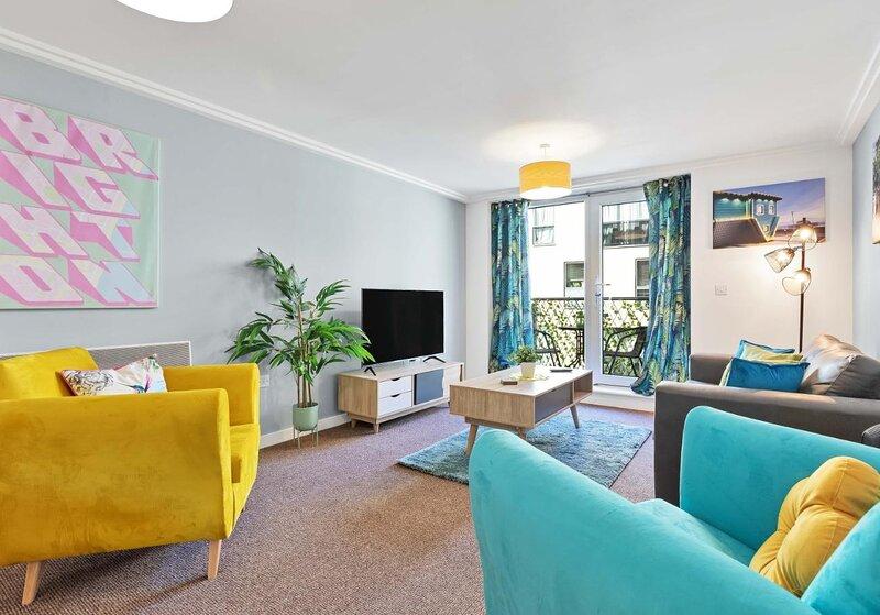 Central Garden View | Modern 2 Bedroom 2 bathroom Apartment | Balcony, location de vacances à Brighton and Hove