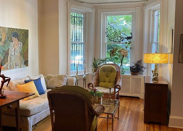 Grand Dame on quiet street in East Village, vacation rental in Arlington