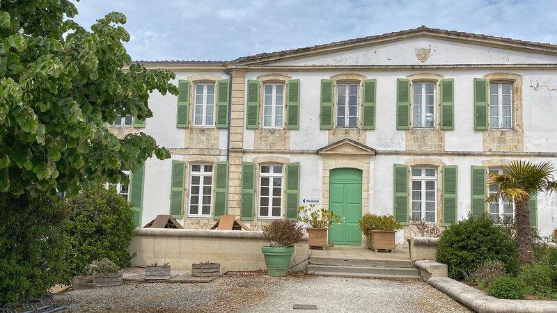 Apt 3 pers. dans résidence, au cœur de St Martin de Ré, location de vacances à Saint-Martin-de-Ré