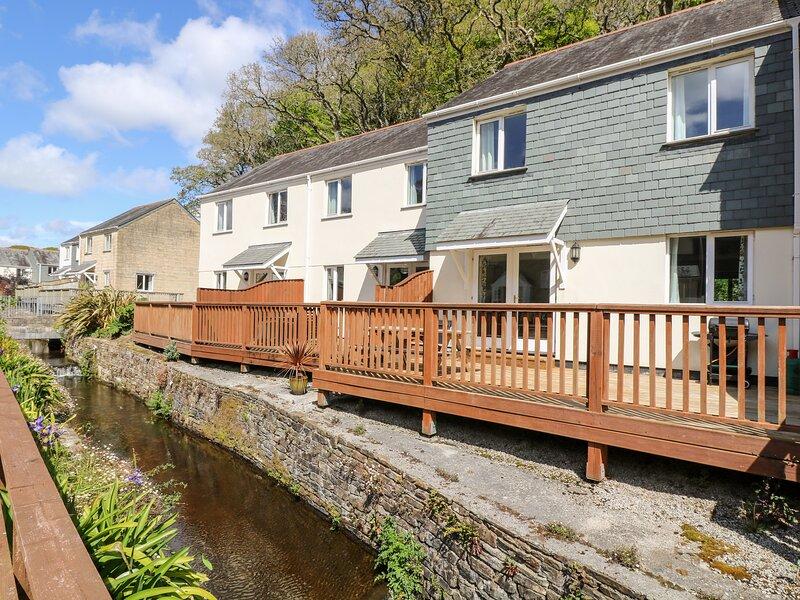 HERONS REACH, smart, comfortable house on a family friendly complex, with, location de vacances à Maenporth