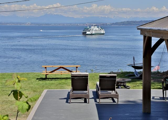 2 bed 1 bath Home with wide open view of Clinton Ferry, holiday rental in Tulalip