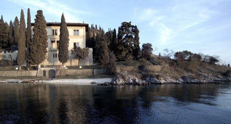 King Of Garda Luxury Villa, holiday rental in Garda
