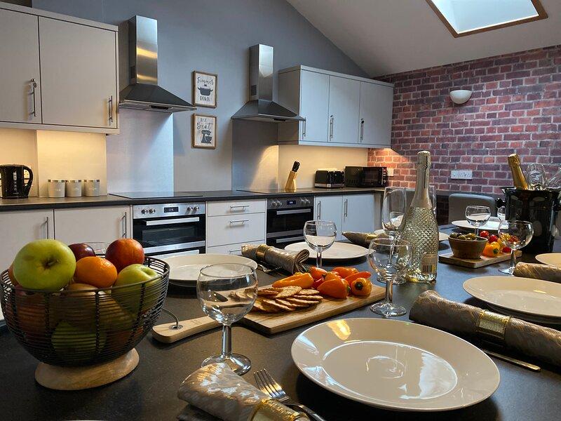 The North Wales Gathering - 9 Bedroom - EV Charging, holiday rental in Pentre Halkyn