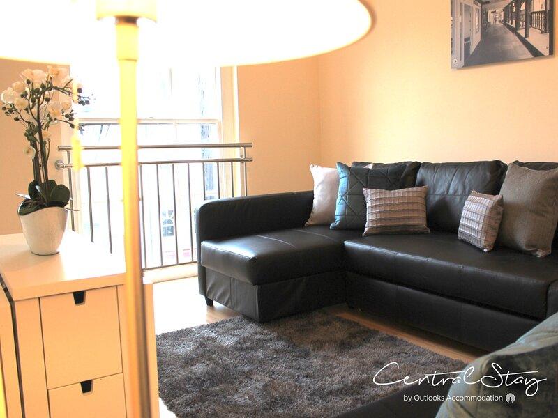Wrexham Central Stay Apartment Six, alquiler de vacaciones en Rossett