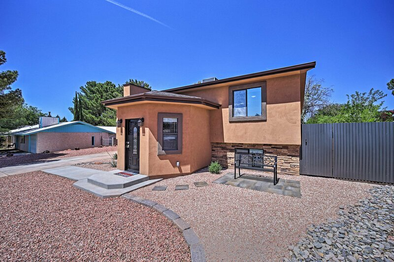 NEW! Spacious Home w/ Yard < 3 Mi to Lake Powell!, holiday rental in Big Water