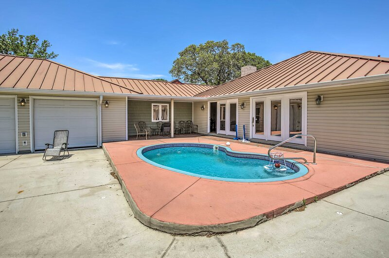 Myrtle Beach Vacation Rental | 4BR | 2.5BA | Step-Free Entry | 4,000 Sq Ft