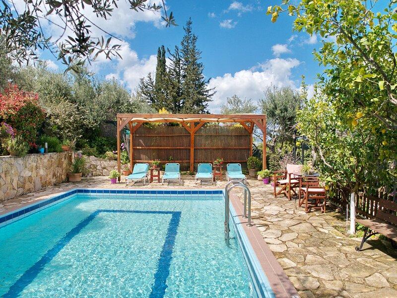 Villa Toula, alquiler de vacaciones en Nipos