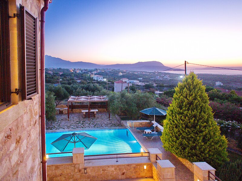 Villa Afrati, aluguéis de temporada em Plaka