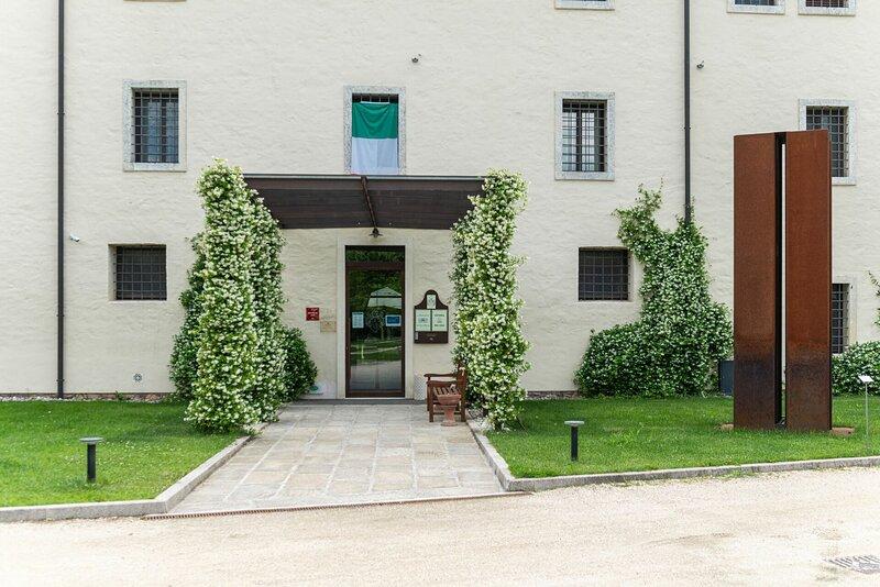 Suite Palladio In La Barchessa Di Villa Pisani, aluguéis de temporada em Soave