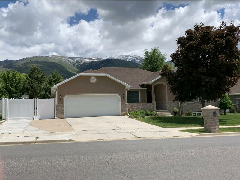 'Weber Canyon Haven' Single Level East Layton Home, holiday rental in Davis County