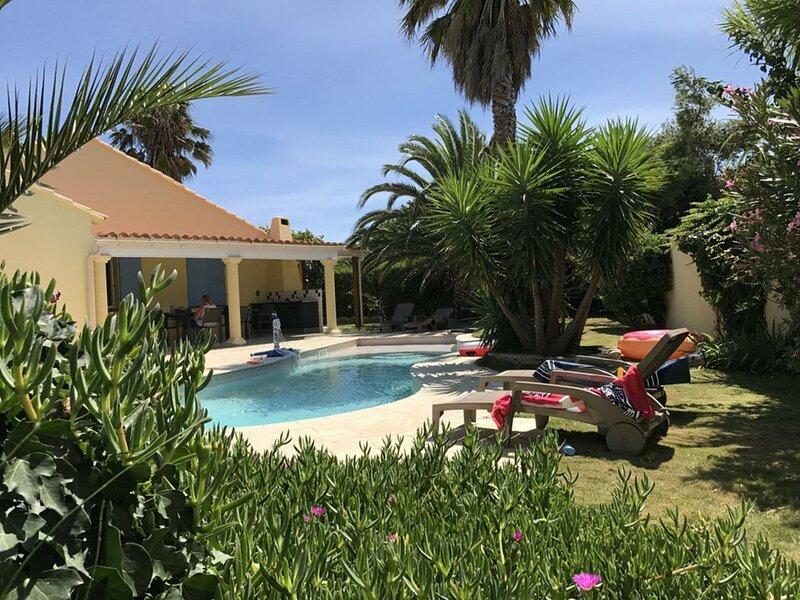 Superbe villa T4 classée 4 étoiles avec piscine privative chauffée 8PALCR, alquiler de vacaciones en Saint-Cyprien-Plage