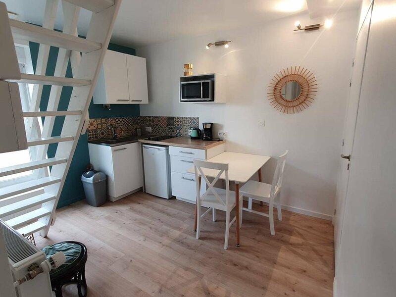 Studio idéalement situé dans le centre ville de Vannes, vacation rental in Saint-Nolff