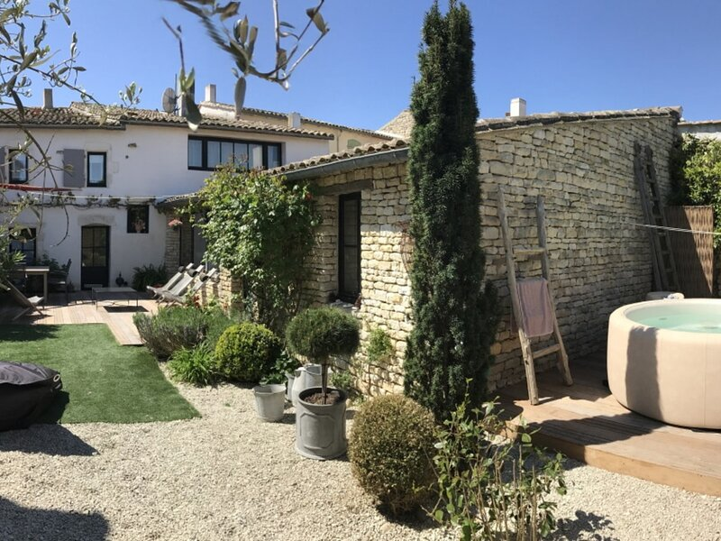 RETER - MAISON DE CHARME & SPA - ARS EN RE, holiday rental in Ars-en-Re