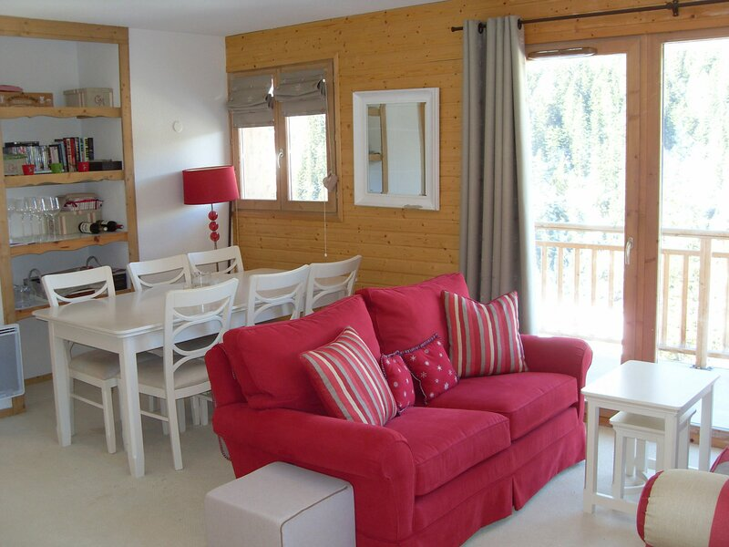Très bel, spacieux appartement 4 pièces pour 6 personnes 65m2., holiday rental in Valfrejus
