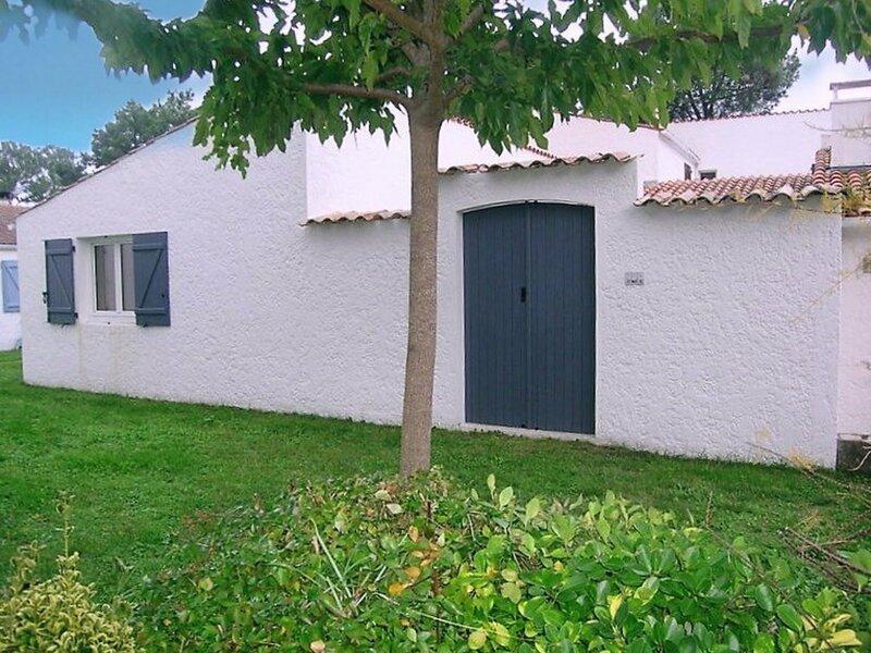 LA PALMYRE - LES TREMIERES - VILLA MITOYENNE PROXIMITE PLAGE & CENTRE, holiday rental in La Palmyre-Les Mathes