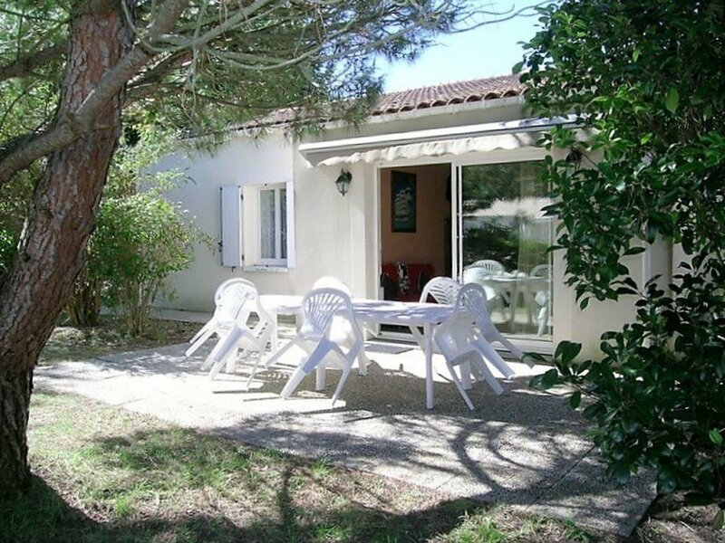 LA PALMYRE - MAISON SPACIEUSE - JARDIN PRIVATIF ET CLOS - CLASSEE 3*, holiday rental in La Palmyre-Les Mathes