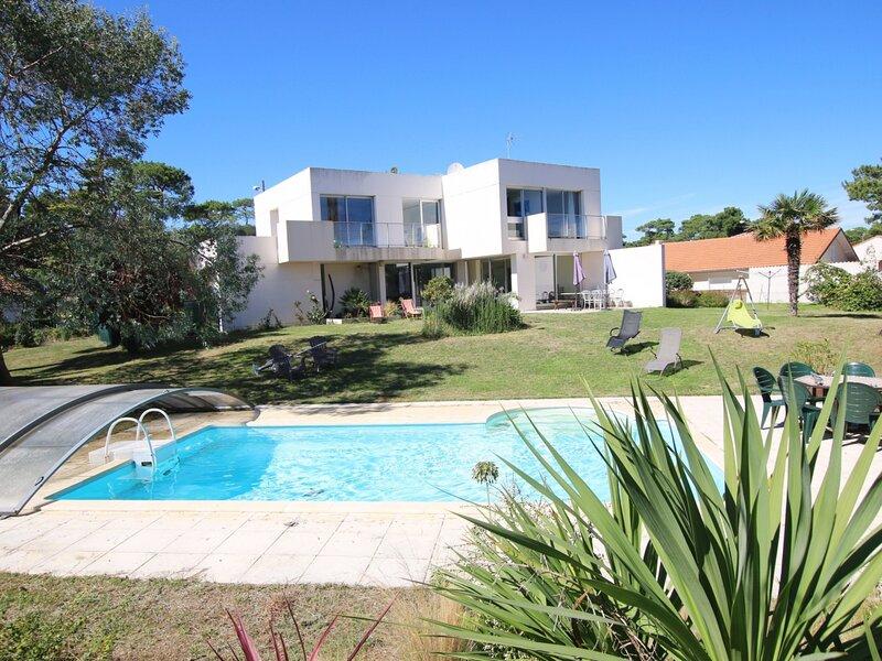 Villa familiale avec piscine, holiday rental in Saint-Brevin-les-Pins