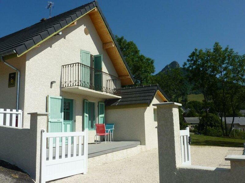 La petite maison, holiday rental in Le Gua