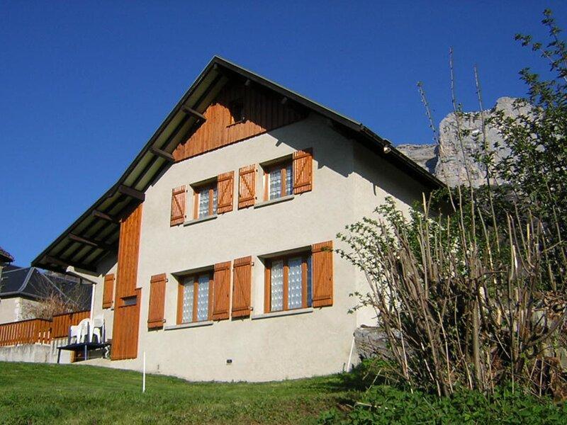 Chalet  Saint Louis, vacation rental in Saint-Pierre-d'Entremont