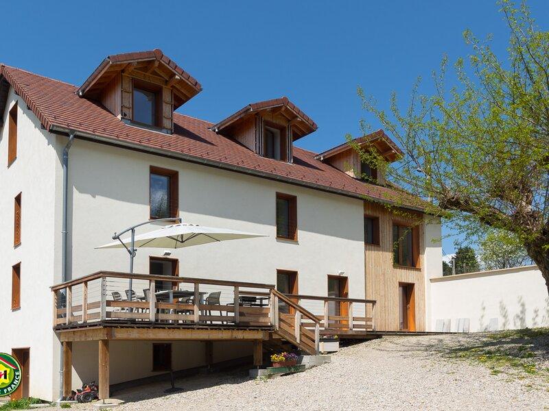Le vieux Robinier, location de vacances à Venon