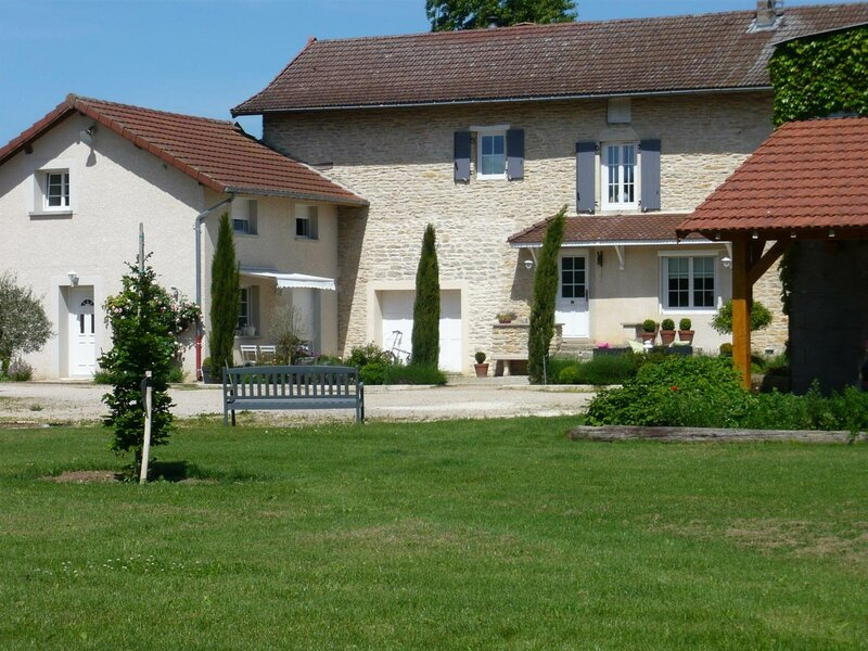 L'Atelier, holiday rental in Bonnefamille