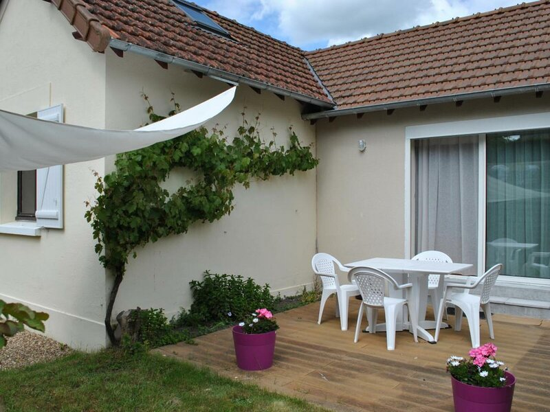 Les Rives de l'Indre, holiday rental in Chambray-Les-Tours