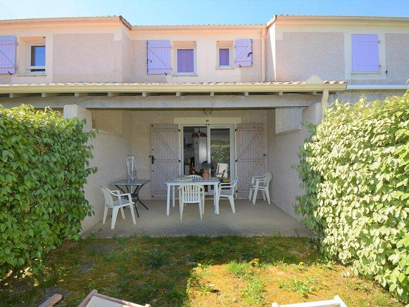Maison en duplex 6 personnes  VALLON PONT D ARC, holiday rental in Lagorce