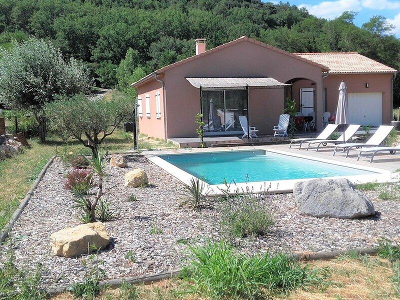 Maison avec piscine privée 6 couchages, holiday rental in Saint-Remeze
