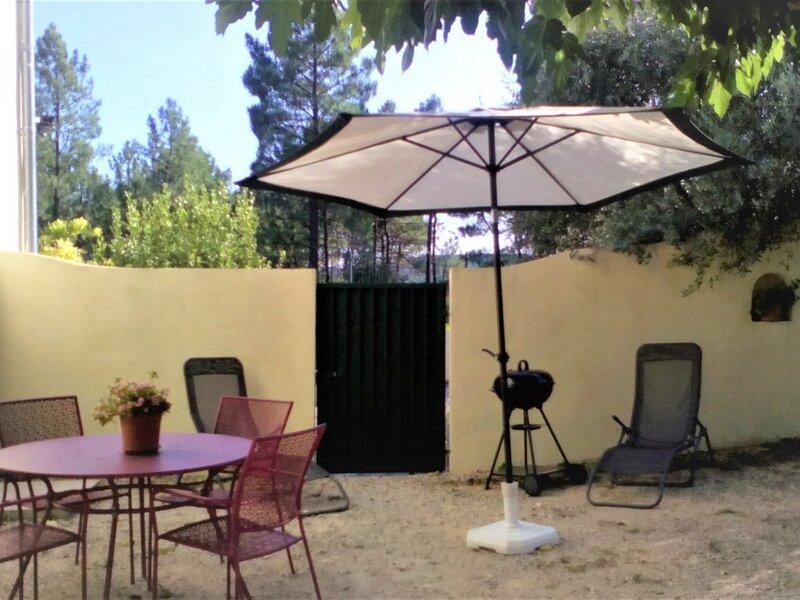 Gîte 4 personnes SALAVAS, holiday rental in Bessas