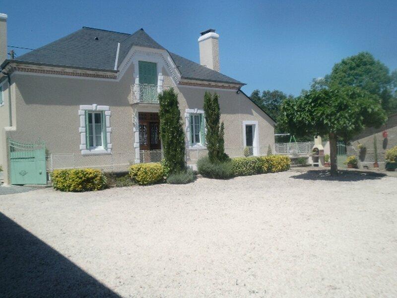 CHEZ LABORDE, vacation rental in Theze
