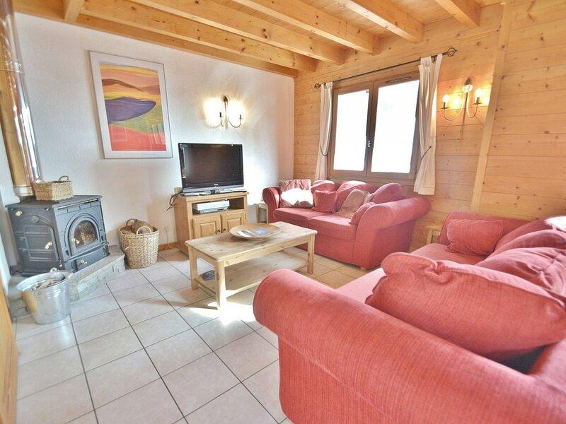 Chalet mitoyen, 8 personnes, 4 chambres, proche commerces et pistes !, location de vacances à Le Petit-Bornand-les-Glières
