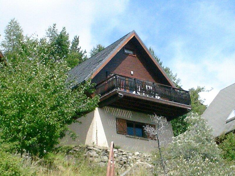 Chalet 5/6 pl 6 couchages ST MICHEL DE CHAILLOL, holiday rental in La Motte-en-Champsaur